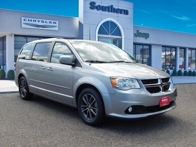 Pre Owned 2016 Dodge Grand Caravan Sxt Plus